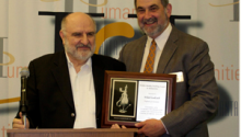 Wlad Godzich receives Dizikes Award for teaching in Humanities